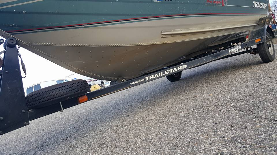 Walleye  16 foot tracker aluminum boat 50hp 4 stroke